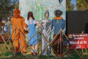 "2016 Scarecrows In The Park ""Best Overall Display"" - Harns Marsh Elementary School 