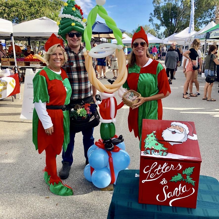 Santa's Elves at the Lakes Park Farmer's Market